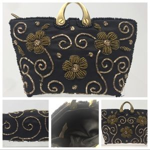 Handbags - Vtg Small Beaded Coin Purse Blk Gold Embroidered.